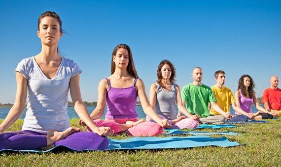 yoga.jpg.640x340_q85_crop