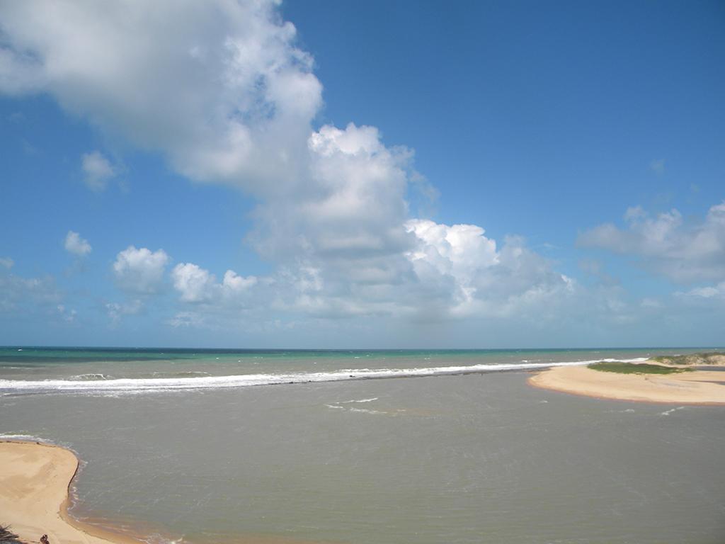 Rio Guaju encontra com o mar.