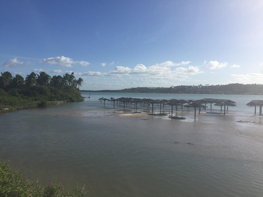 Encontro do rio Cunhaú com o mar