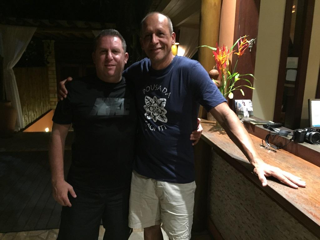 Oscar Lopes Luiz, publisher de NEO MONDO,e Jares Ponciano, proprietário da Pousada Sagi-Iti