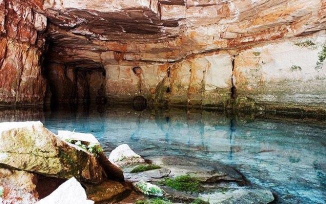 Lagoa Azul é um dos pontos turísticos da Chapada dos Guimarães